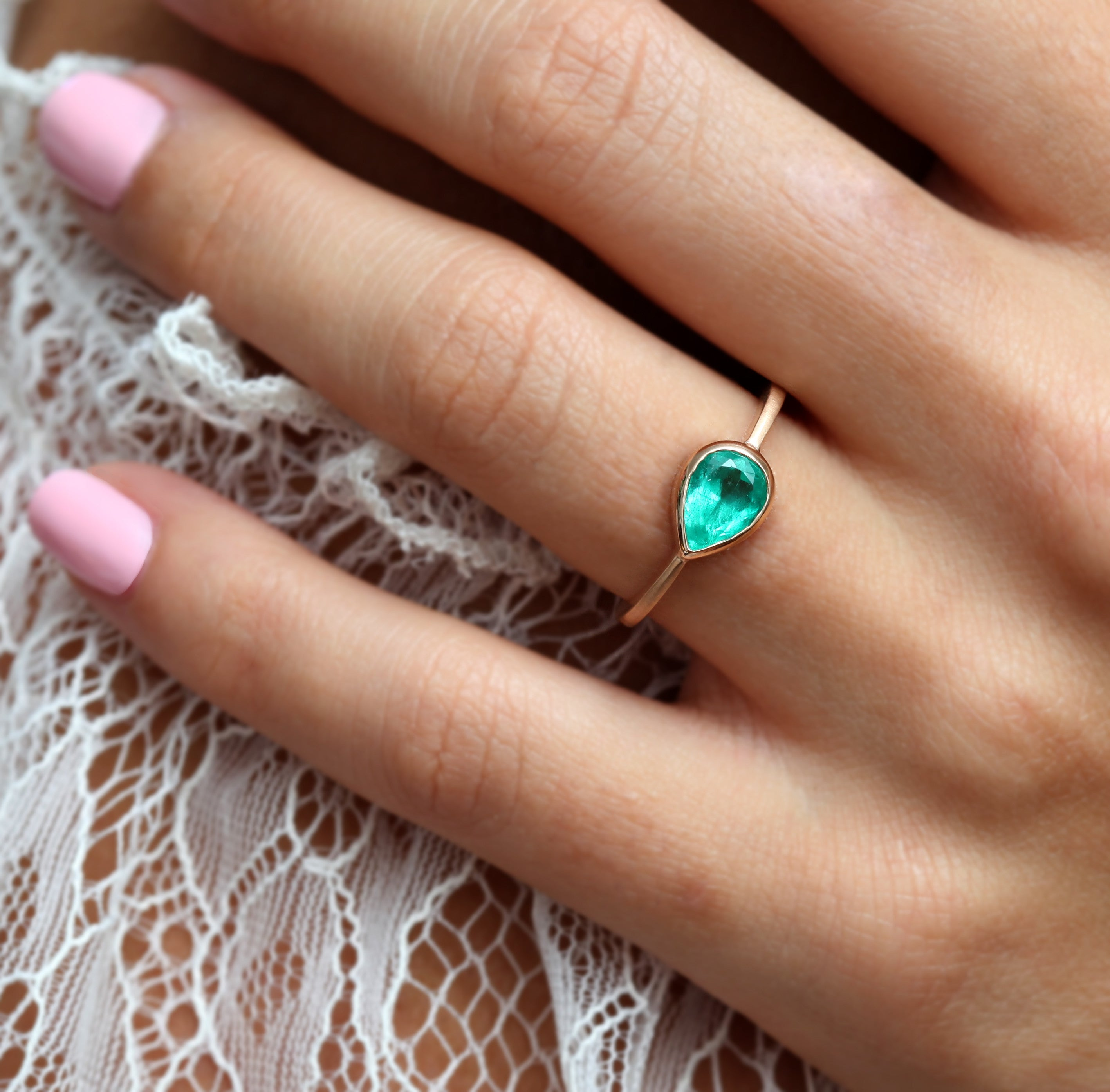 1ct Pear Colombian Emerald Rose Gold Ring