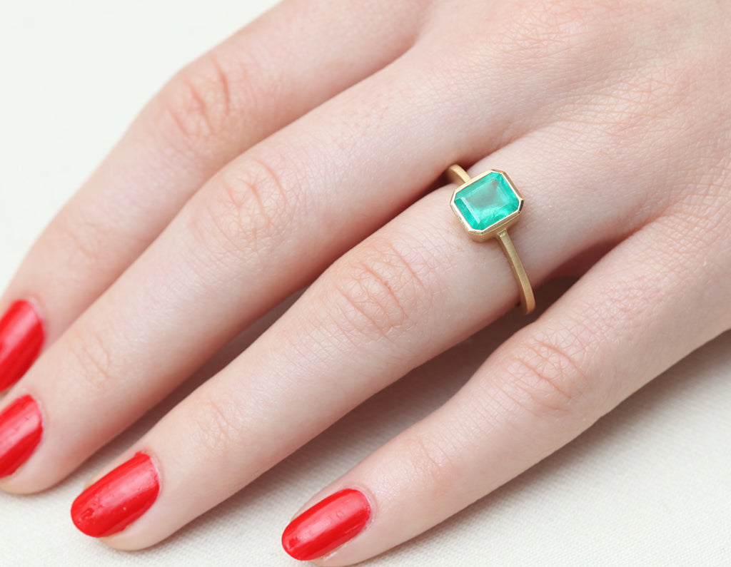 1.19ct Cushion Colombian Emerald & Yellow Gold Bezel Ring