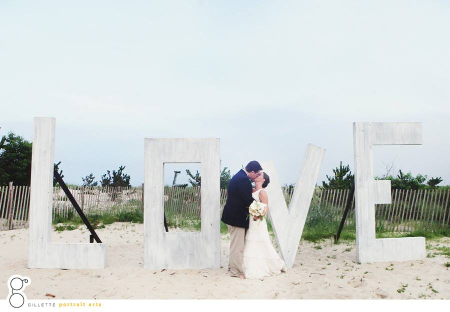 gillette portrait arts // indian river life saving station wedding in rehoboth beach de // bouquet by little miss lovely