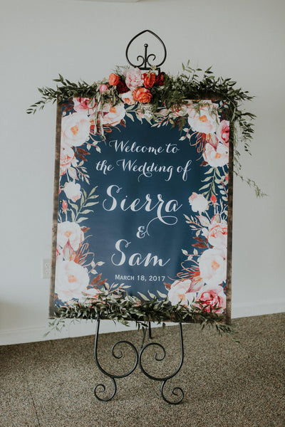 little miss lovely floral design // ocean city maryland wedding rental // black easel