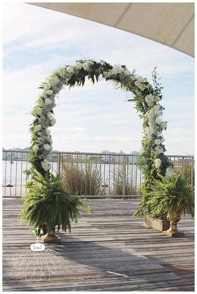 little miss lovely floral design // rounded floral altar // ocean city maryland beach wedding rentals