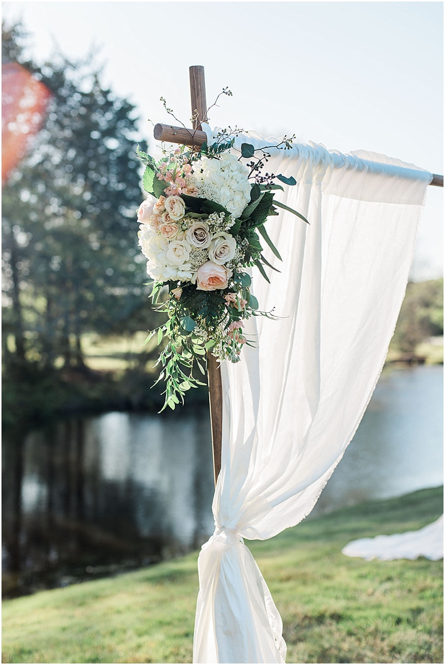leah adkins photography // little miss lovely floral design // curtain floral ceremony backdrop