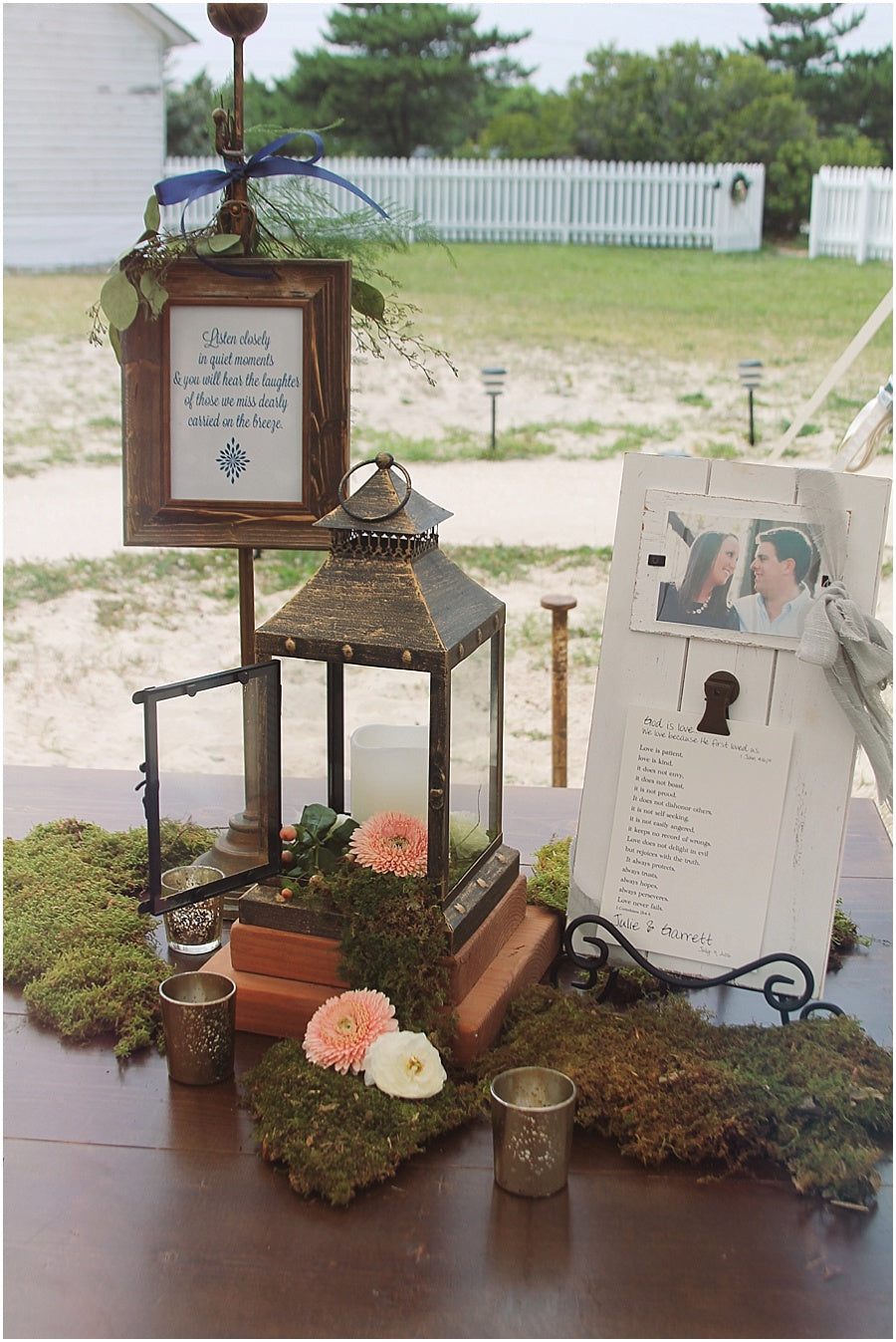 little miss lovely floral design // rehoboth beach de wedding // in memory table to honor loved ones
