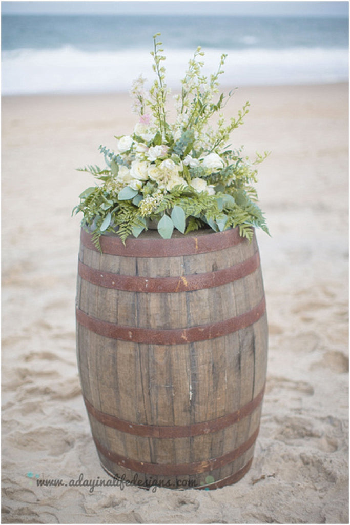 little miss lovely floral design // a day in a life design photography // rehoboth beach dogfish head wedding // barrel beach wedding ceremony