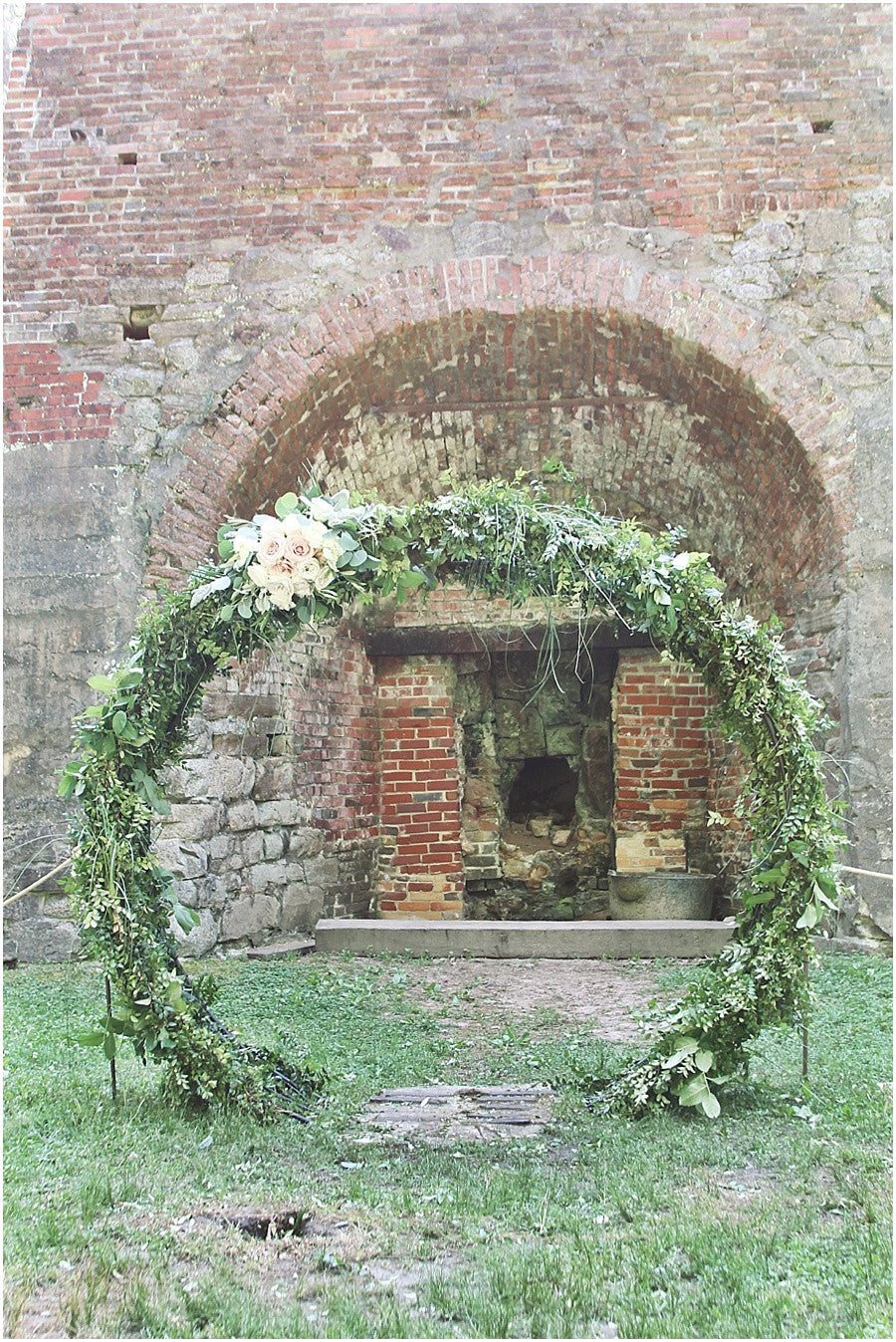 little miss lovely floral design // circle archway at furnace town // snow hill ocean city md