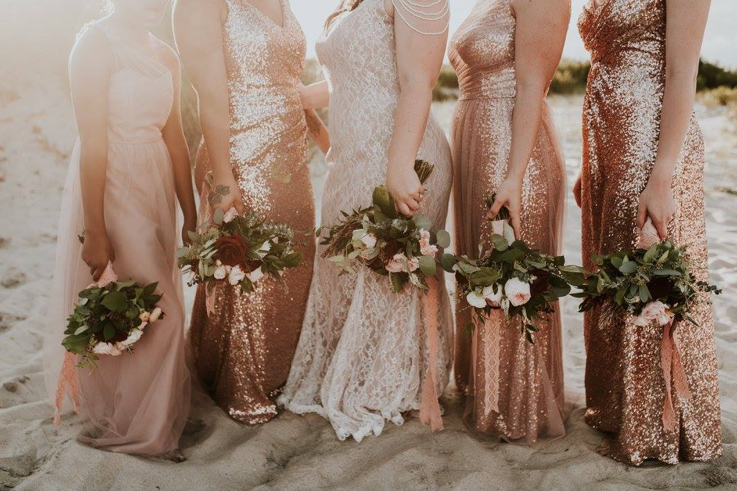 little miss lovely floral design // burgundy blush beach bohemian wedding // assateague national seashore wedding // sincerely the kitchens