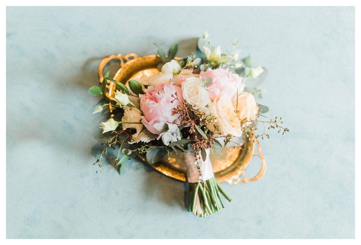 little miss lovely floral design // manda weaver photography // 447 cambridge md wedding // spring peony wedding flowers