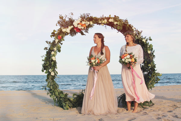 little miss lovely floral design // circle archway rental wedding backdrop // ocean city maryland wedding florist