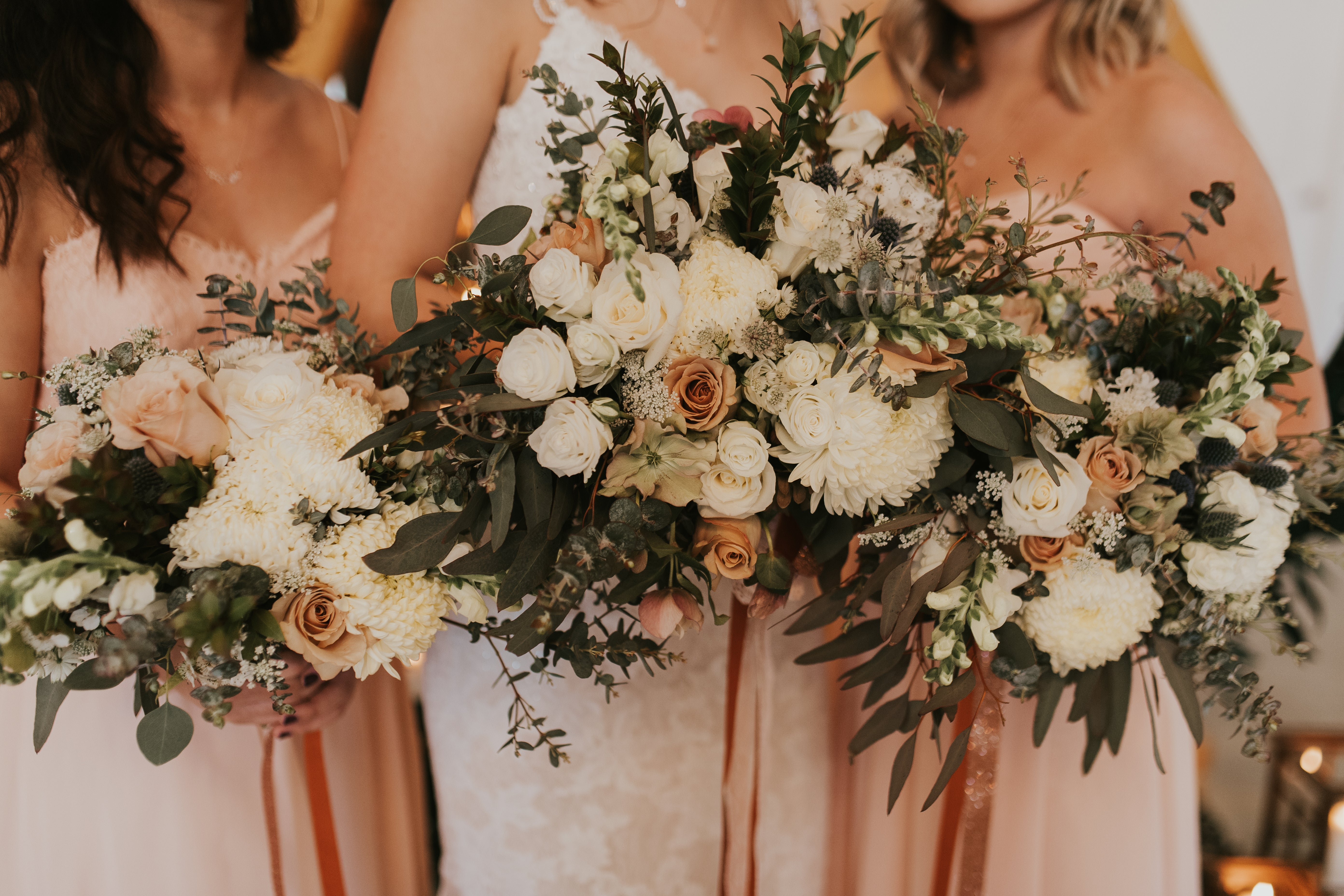 little miss lovely floral design // rustic glam farm barn wedding // southern belle barn - delmar, DE // sincerely the kitchens photography