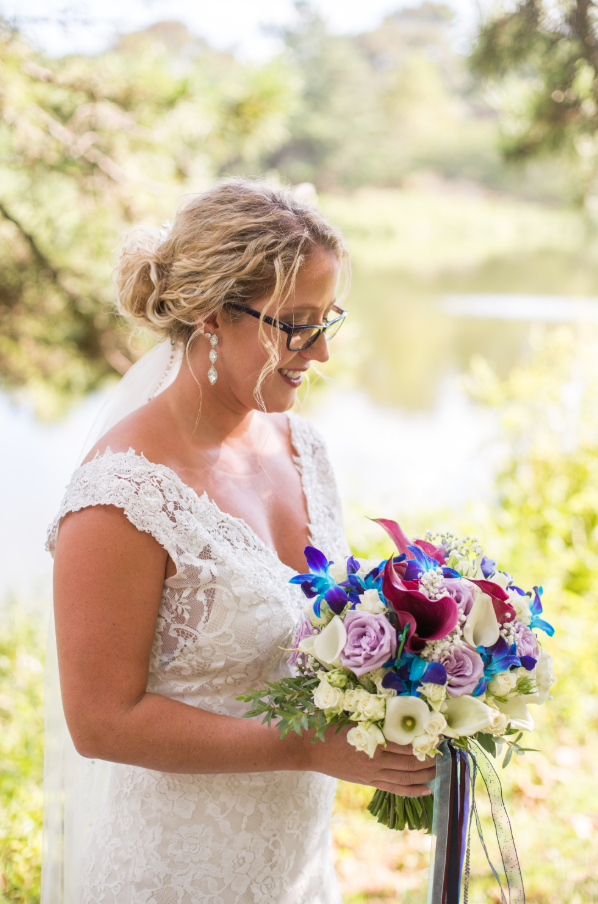 little miss lovely floral design // rehoboth beach de wedding florist // teal and purple beach wedding flowers