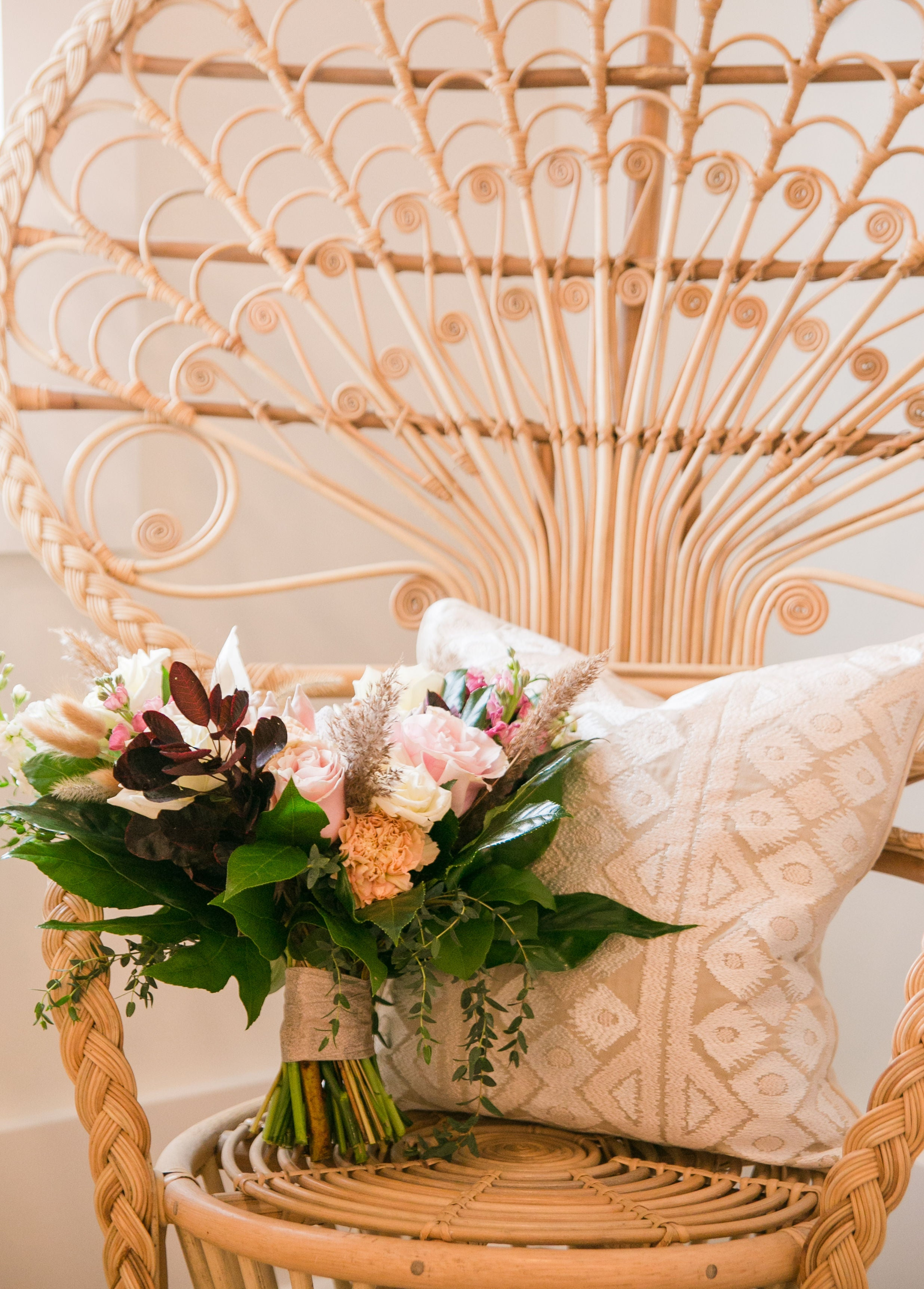 little miss lovely floral design // signatures bayside selbyville wedding // paige engle photography