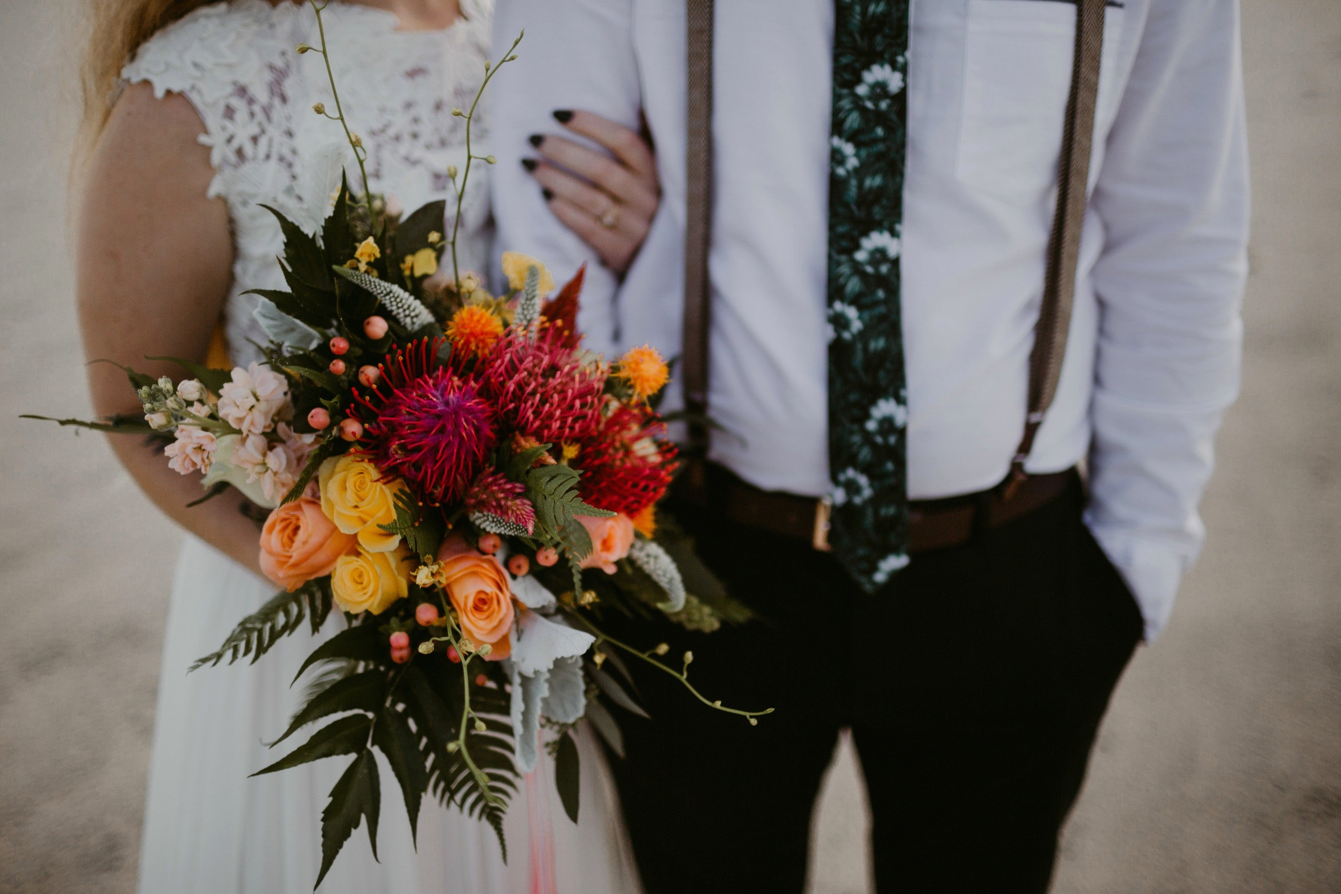 assateague island maryland elopement // beach wedding inspiration // little miss lovely floral design // the hursts photography