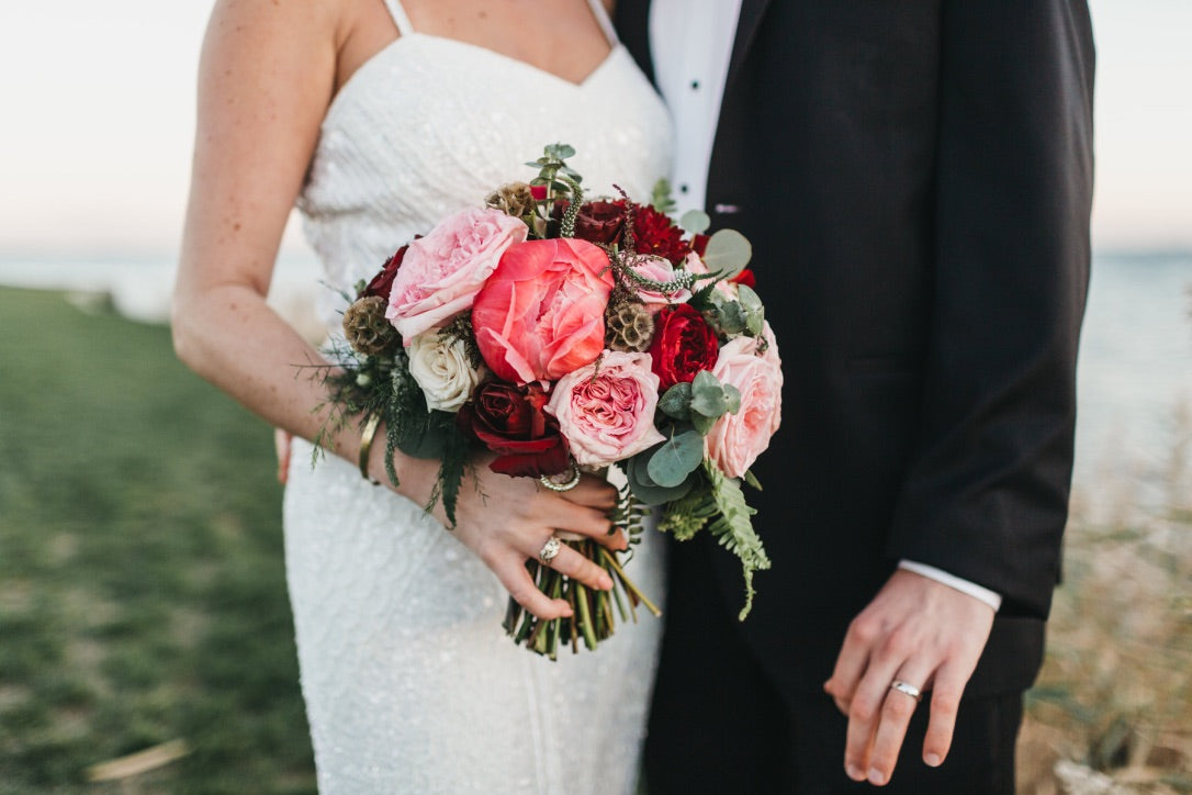 Maria Deforrest Photography // Little Miss Lovely Floral Design // Rehoboth Beach Country Club Wedding // Rehoboth Wedding Florist