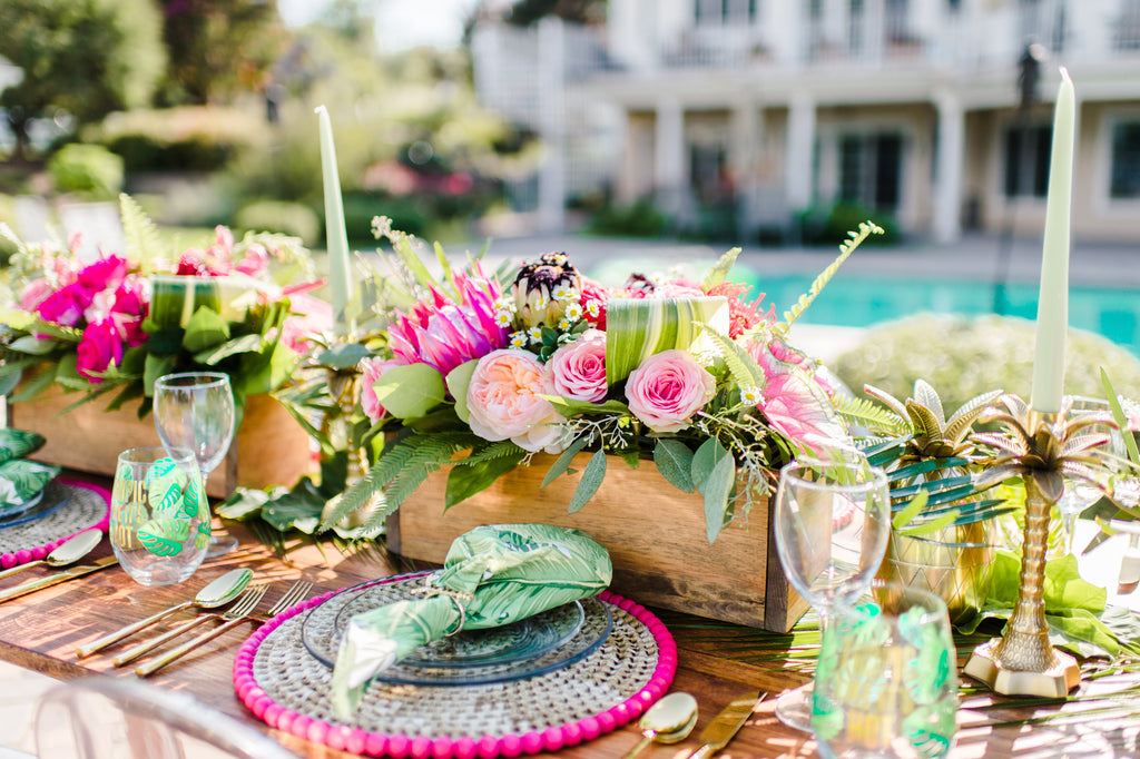 tropical bridesmaid wedding brunch inspiration // little miss lovely floral design // christine mcfarlane events // madison short photography