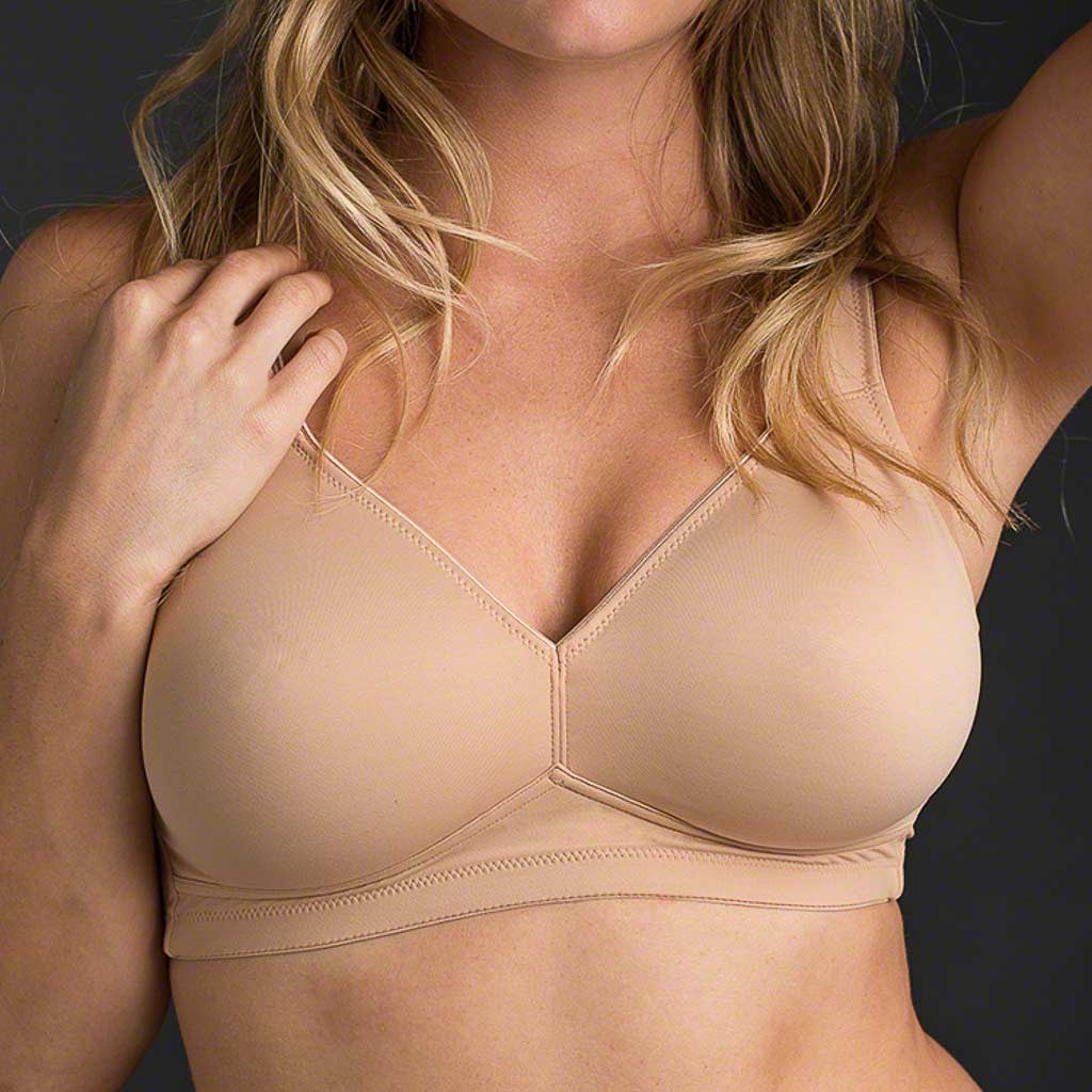 The Anita Twin Range Soft Bra 5493 features wire-free cups that are lined and free of padding and support panels. Molding to your body like a second skin, this extremely soft double layered microfiber bra provides extra support in larger sizes with straps that are slightly wider.