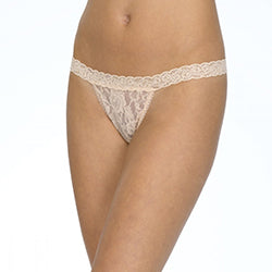 Hanky Panky 482051 Signature Lace G-String Thong