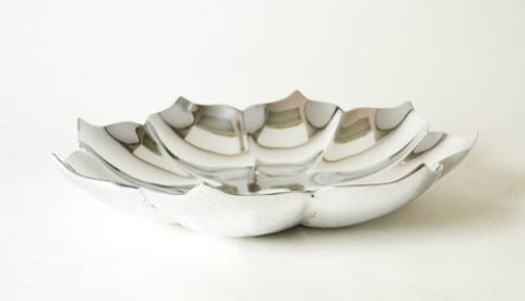 Aluminum Lotus Shaped Fruit Bowl-13 Inches in Diameter
