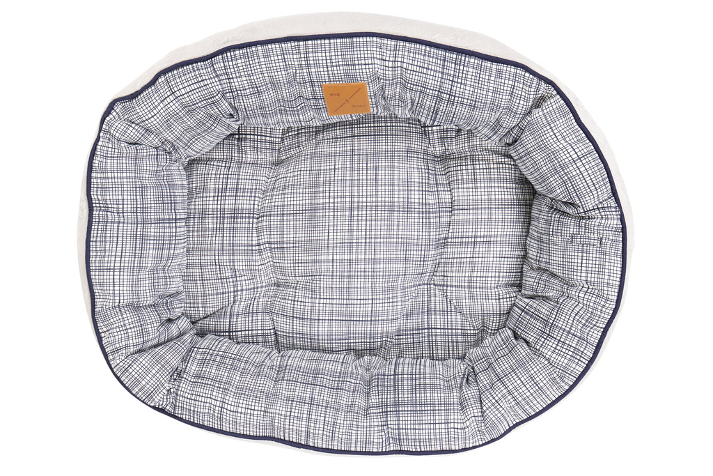 4 Seasons Reversible Circular Bed - Navy Linen Print