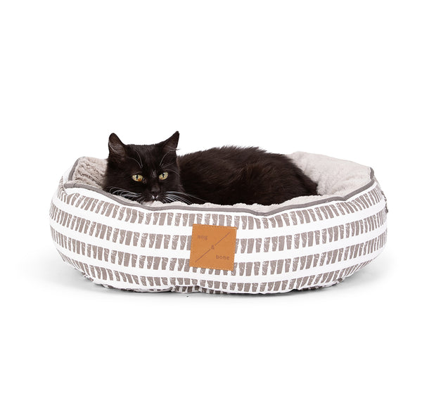 REVERSIBLE CAT BED- LATTE WHITE MOSAIC PRINT