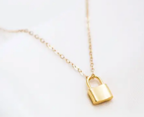 Lock Gold Small Necklace