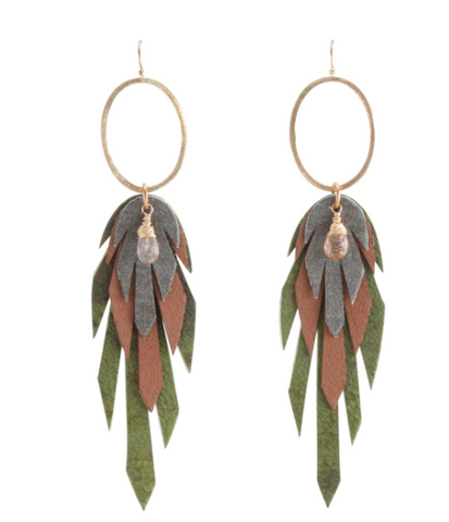 Makara Pluma Leather Earring