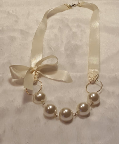Ivory Pearl Ribbon Necklace