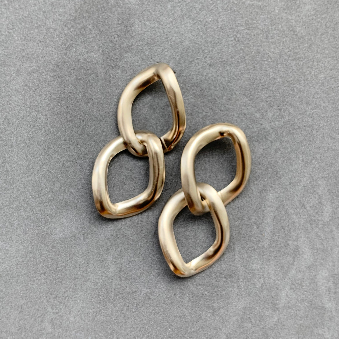 Everyday Chain Link Earrings - Champagne Gold