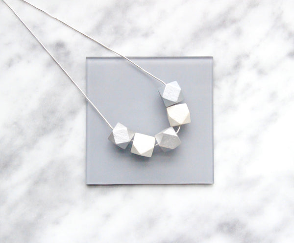 5 Curves & vertices Necklace - Tusk & Silver