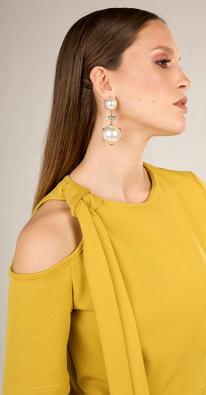 Ryna Pearl Earrings