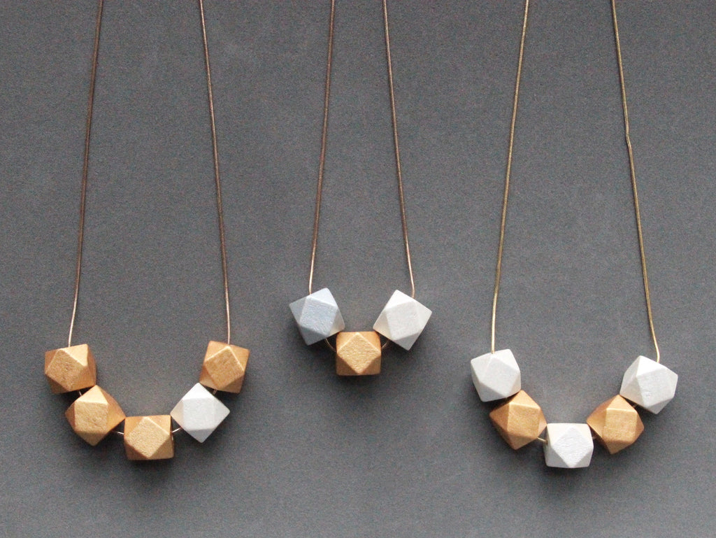 Curves & vertices Necklace - Metallic Trio