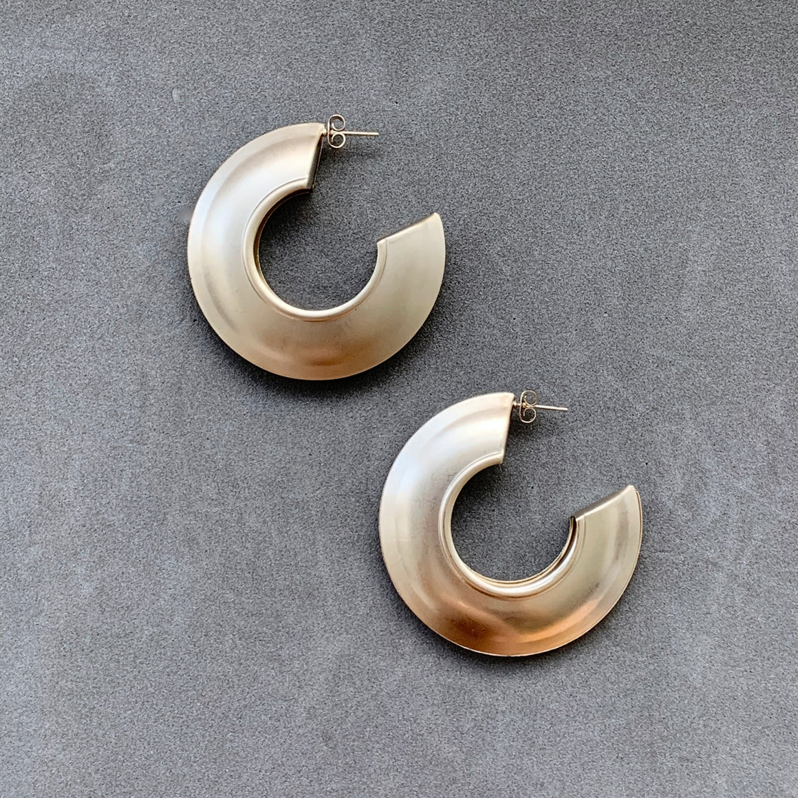 Sleek Hoops - Champagne Gold