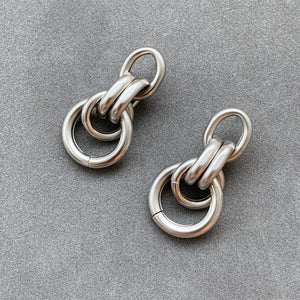 Everyday Circle Link Earrings - Matte Silver