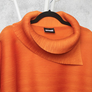 The Batwing Turtle Neck - Orange