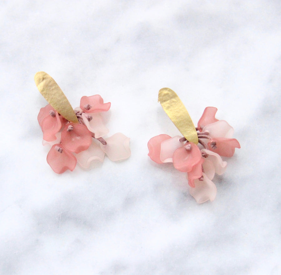 The Suspended Corsage Earring - Pink