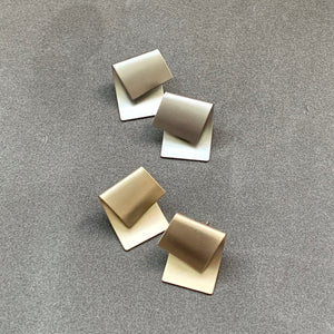 Iconic Bent Stud Earrings - Champagne Gold