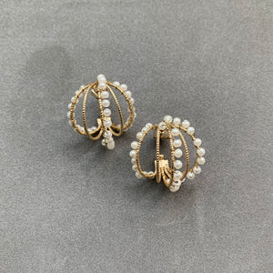 Pearled Layered Rings Earrings - Pale gold