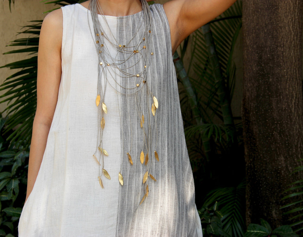 The Vine Dispersion Necklace - Large - Grey Linen