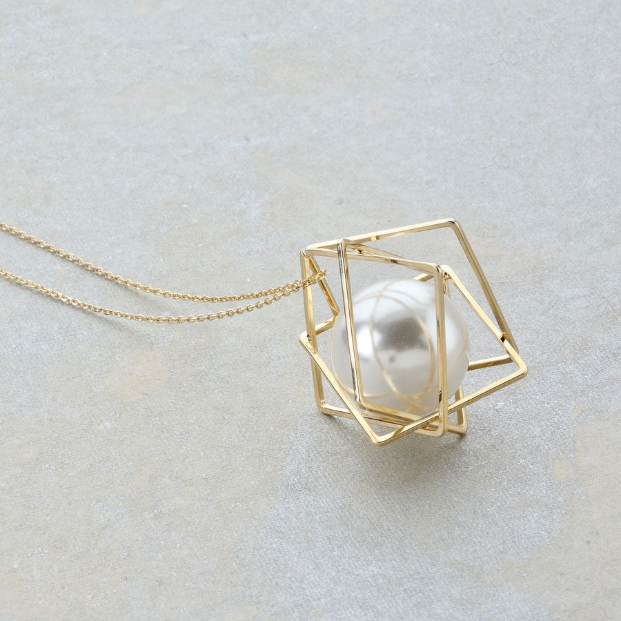 The Rhomboid Pearl Capsule Necklace - Gold