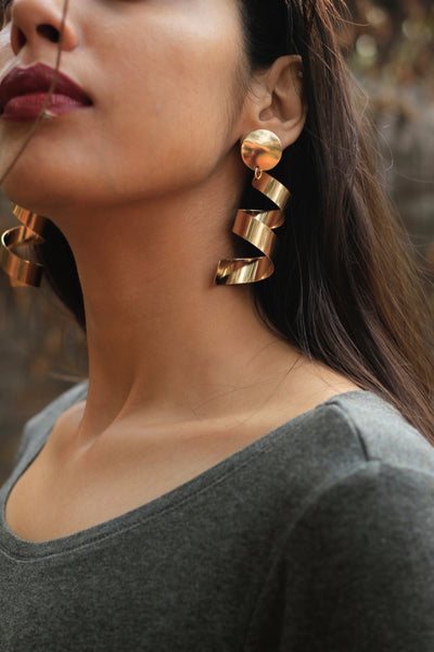The Twist Earrings - Rose Gold
