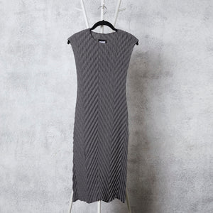 Chevron Pleated Dress - Grey