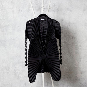 Chevron Pleated Jacket - Black