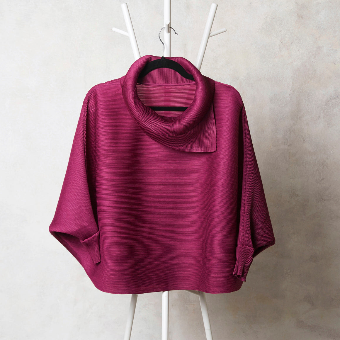 The Batwing Turtle Neck - Magenta