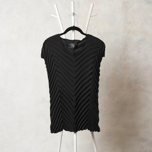 Chevron Sleeveless Top - Ebony