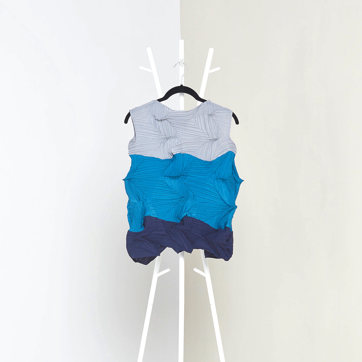 3Dimensional Colourblock Sleeveless Top - Grey Blue