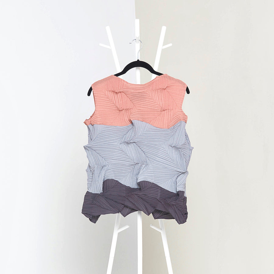 3Dimensional Colourblock Sleeveless Top - Grey Pink