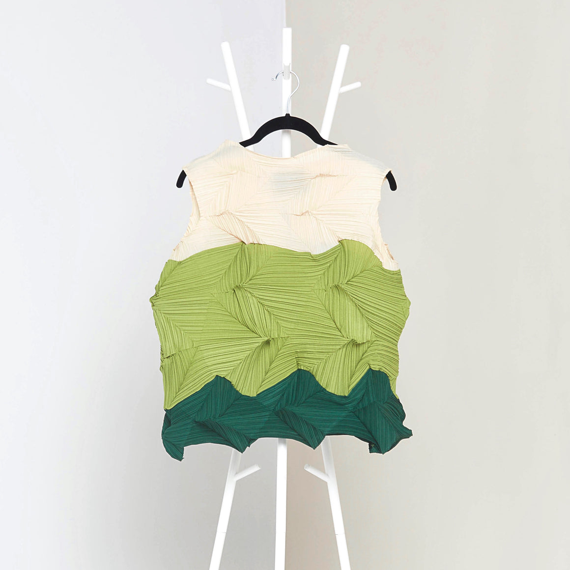 3Dimensional Colourblock Sleeveless Top - Green