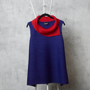 Dual Colour Sleeveless Turtleneck - Red/Blue