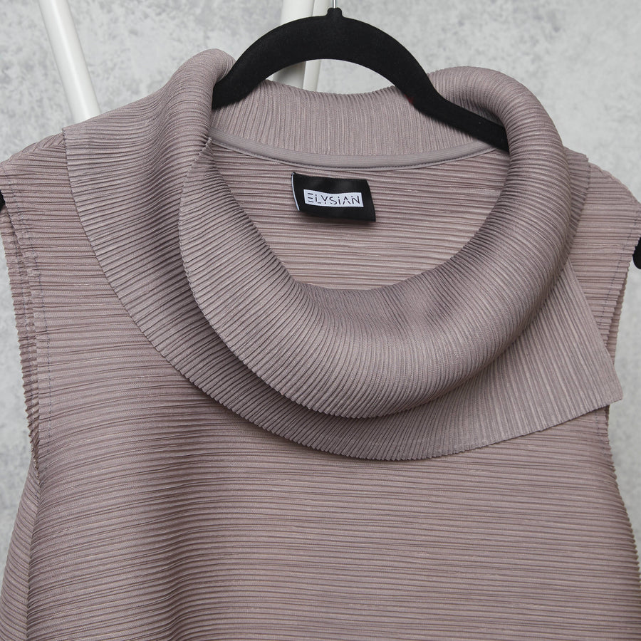 Pleated Sleeveless Turtlenecks - Grey