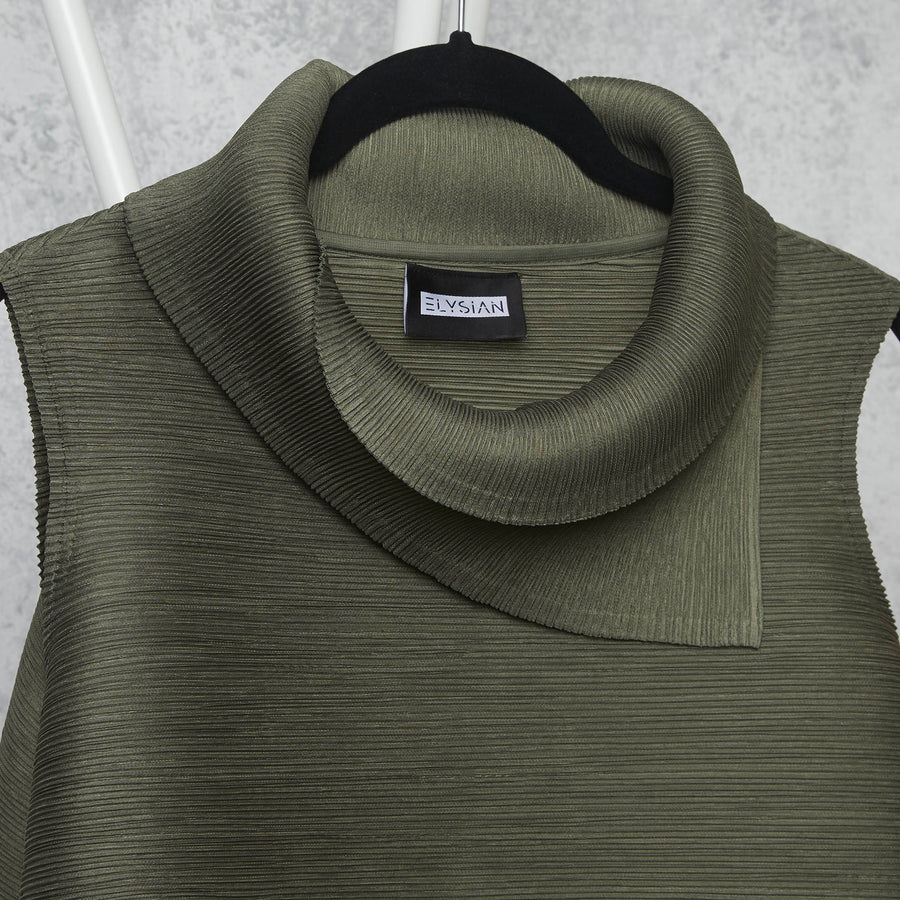 Pleated Sleeveless Turtlenecks - Olive