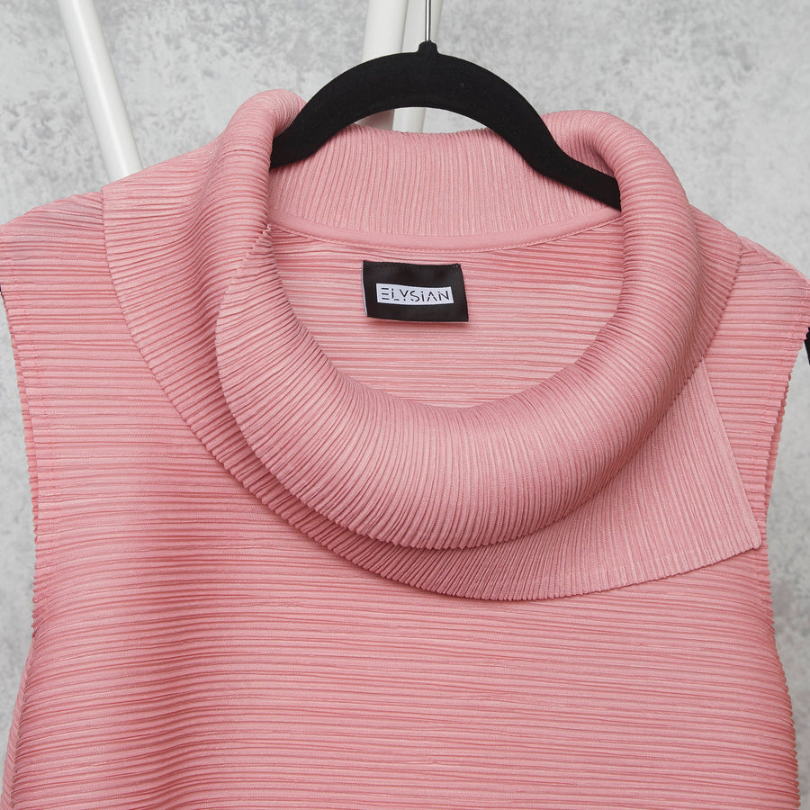 Pleated Sleeveless Turtlenecks - Light Pink